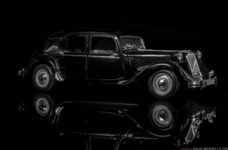 Citroën Traction Avant 15/6F (15 CV) | Limousine | Maisto | www.andere.hahlmodelle.de