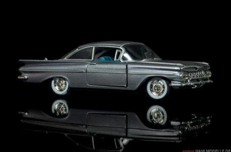Chevrolet Impala two-door Sedan | Limousine | Road Champs | 1:43 | www.andere.hahlmodelle.de