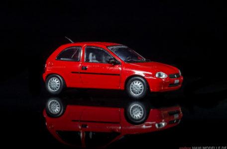 Chevrolet Corsa | Limousine | Ixo (Opel Collection von Eaglemoss) | 1:43 | www.andere.hahlmodelle.de