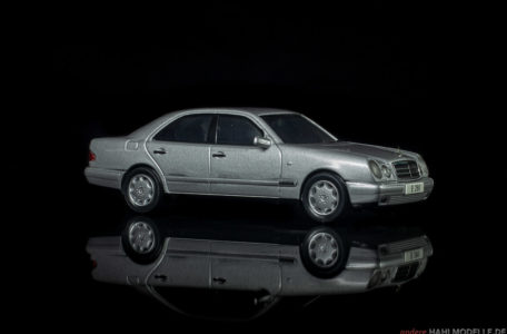 Mercedes-Benz E 280 (W 210) | Limousine | Herpa | www.andere.hahlmodelle.de