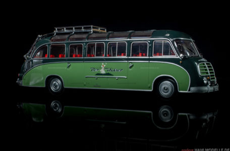 "Kässbohrer Fahrzeugwerke Setra S8 ""Der Walser"" | Bus | Minichamps | 1:43 | www.andere.hahlmodelle.de"