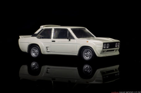 Fiat 131 Mirafiori Abarth Stradale | Limousine | Ixo (Del Prado Car Collection) | 1:43 | www.andere.hahlmodelle.de