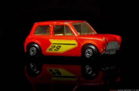 BMC Mini | Kleinwagen | Lesney Products & Co. Ltd. | Matchbox Superfast Racing Mini | www.andere.hahlmodelle.de
