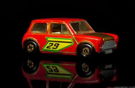 BMC Mini | Kleinwagen | Lesney Products & Co. Ltd. | Matchbox Superfast Racing Mini | www.andere.hahlmodelle.de