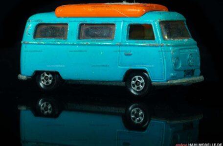 "Volkswagen Bulli (Typ 2 T2a) | Bus | Lesney Products & Co. Ltd. | 1:66 | Matchbox Superfast ""Volkswagen Camper"" | www.andere.hahlmodelle.de"