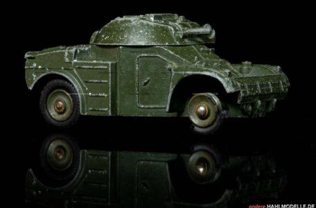Automitrailleuse légère (AML) | Panzerwagen | Dinky Toys Meccano (France) | 1:52 | www.andere.hahlmodelle.de