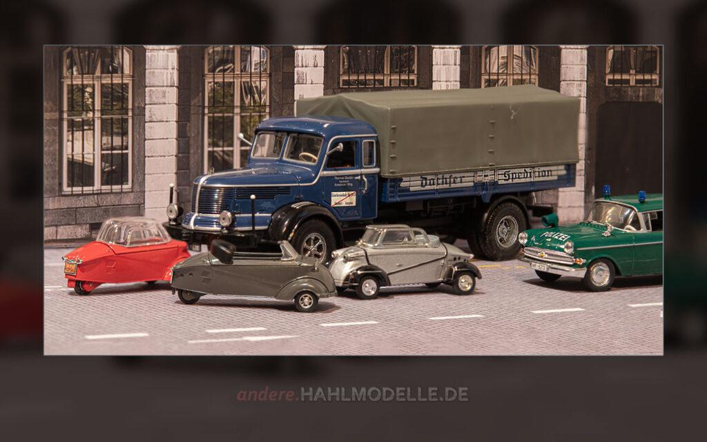 Zwei Messerschmitt Kabinenroller KR 200, ein FMR Tg 500, ein Krupp-Südwerke Titan S 80 und ein Opel Kapitän P 2,6
