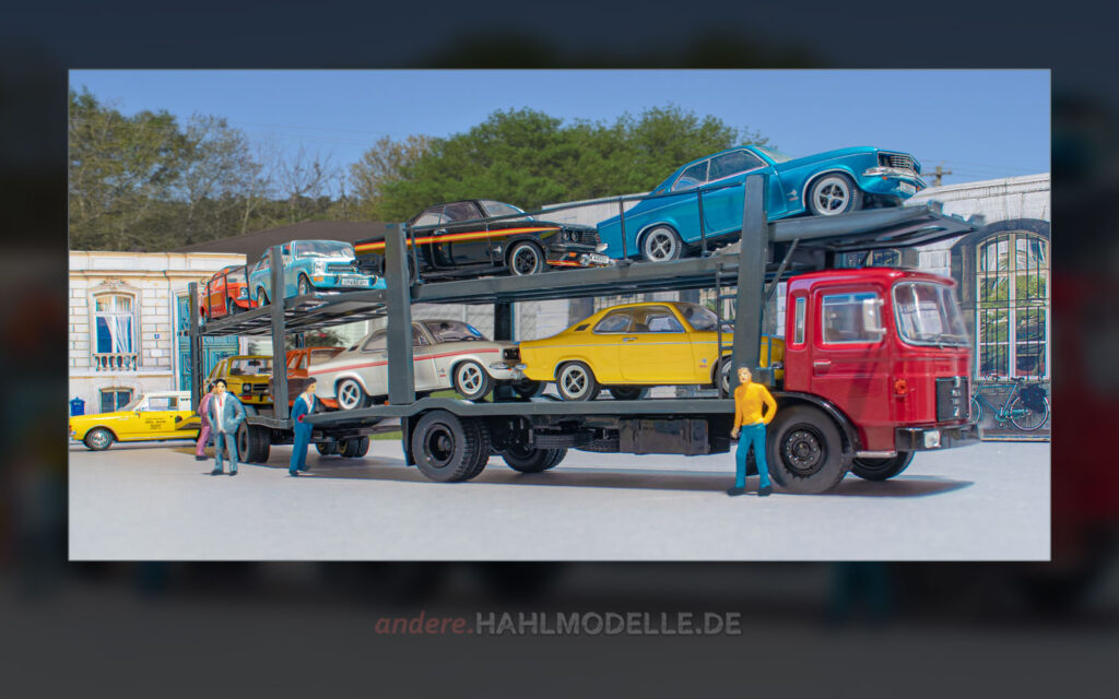 MAN F7 Autotransporter beladen mit diversen Opel Manta A und Opel Ascona A und ein Opel Rekord C Schnell-Lieferwagen