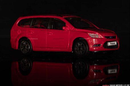 Ford Focus '04 (DA3) Turnier | Kombi | Bburago | 1:43 | www.andere.hahlmodelle.de