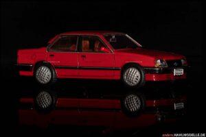 Chevrolet Monza | Limousine | Ixo | 1:43 | www.andere.hahlmodelle.de